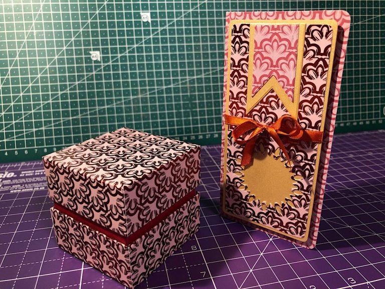 Box mit Karte